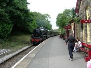 Oxenhope Station (CC ©Tim Marchant http://www.geograph.org.uk/photo/874400)